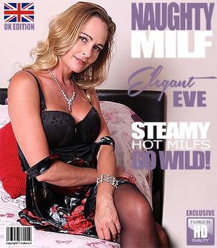 Elegant British MILF Elegant Eve Eve fingering herself - Elegant Eve (2018)