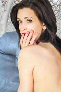 Lara D – Alsina -h6wv4haxqi.jpg
