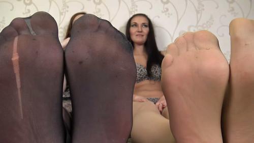 Linda & Jasmine - big feet in stockings Full HD