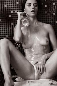Veronica Snezna - Milk -c6wv4swnar.jpg