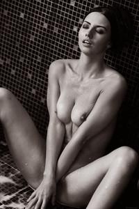 Veronica Snezna - Milk -a6wv4tgeup.jpg