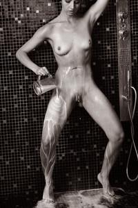Veronica Snezna - Milk -e6wv4tl3jo.jpg