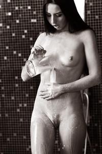 Veronica Snezna - Milk -e6wv4rsgkm.jpg