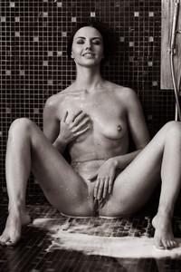 Veronica Snezna - Milk -d6wv4tbeez.jpg