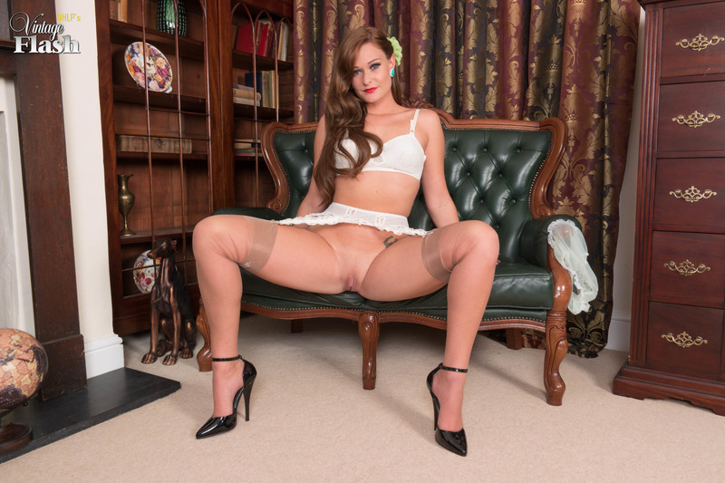 Honour May - Draws off in the drawing room!