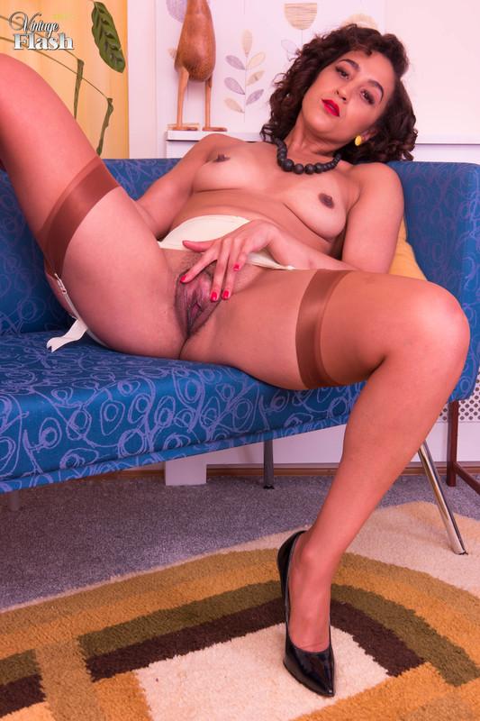 Ella Dearest Nude