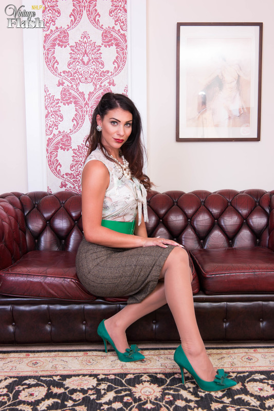 Roxy Mendez - Panty pull-aside delights!