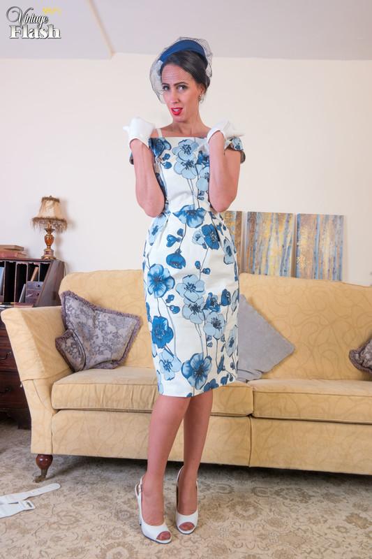 Tammie Lee - Dressed to be taken!