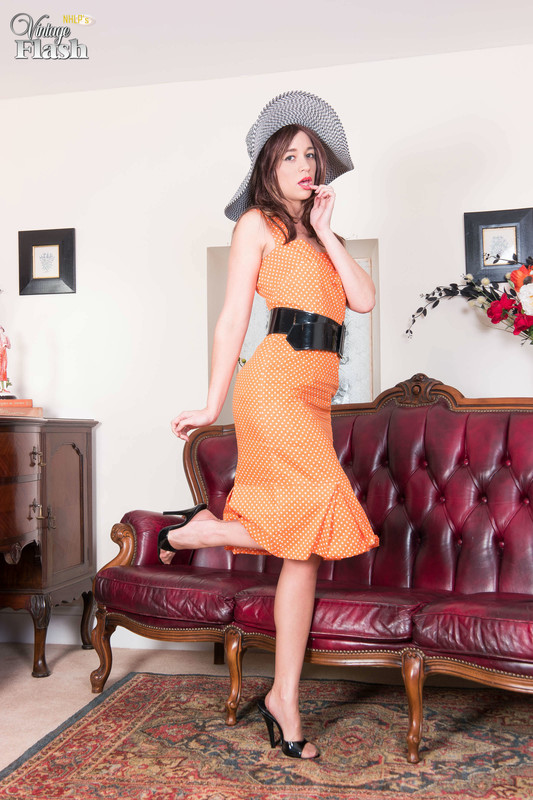 Tracy-Rose-Nyloned-and-heeled-to-ecstasy%21-66qo2us1wo.jpg