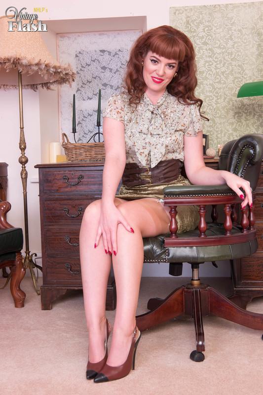 Zoe-Page-The-gardeners-disgrace%21-l6qo3uhi2r.jpg