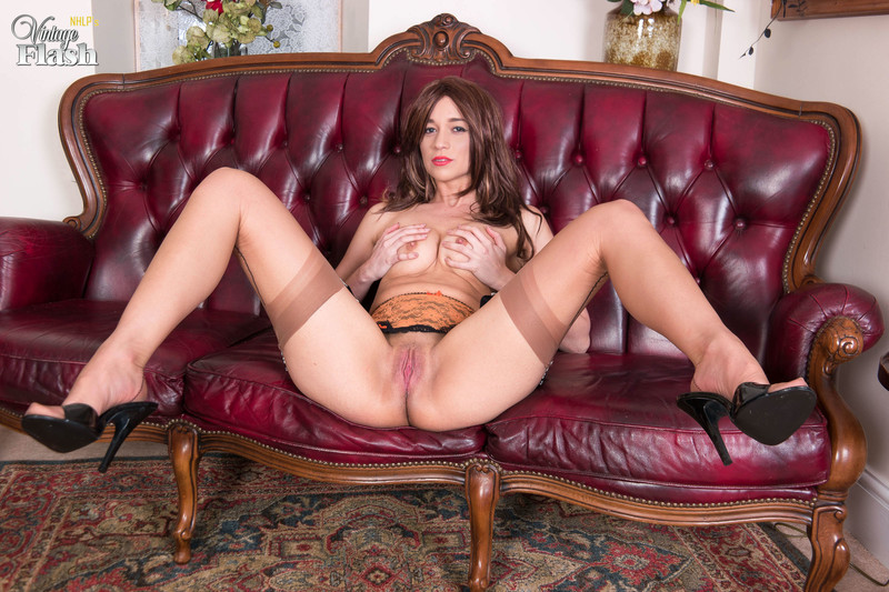 Tracy-Rose-Nyloned-and-heeled-to-ecstasy%21-h6qo3aqhze.jpg