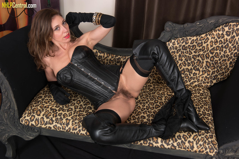French-Chloe-Leather-and-nylon-time%21-w6qol90gsc.jpg