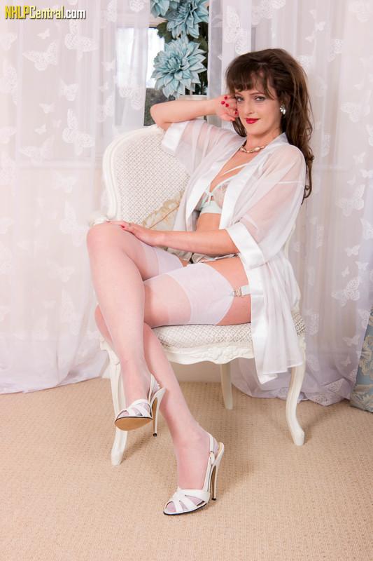 Kate-Anne-Interlude-in-aqua-f6qon8hhie.jpg