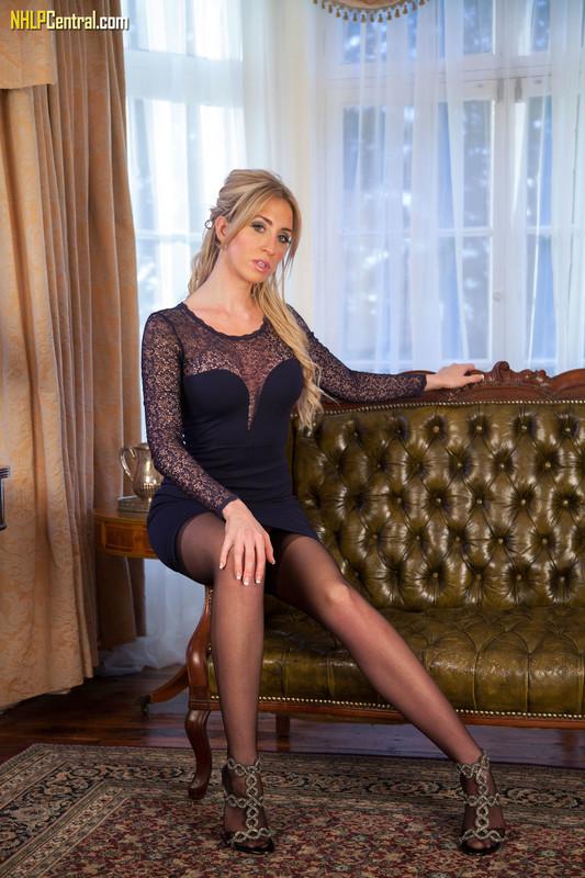 Perri-Doran-Sexy-ass-leggy-lovely%21-d6qp2t0go2.jpg