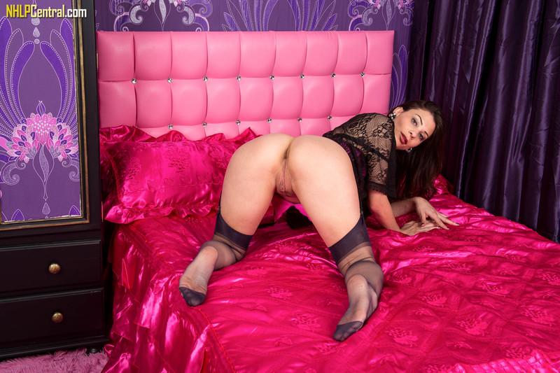 Roxy Mendez - Lusty leisure in lingerie!