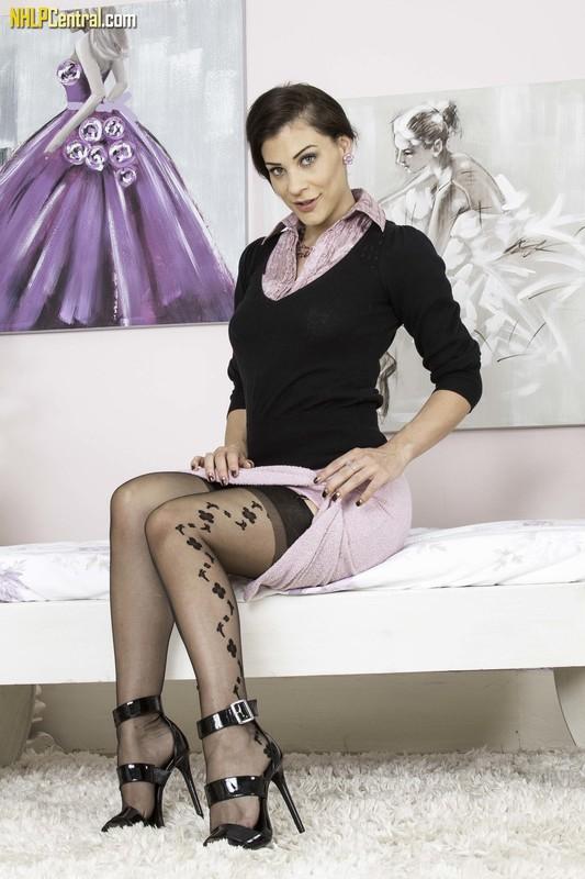 Roxy Mendez - Tutorial in nylon!