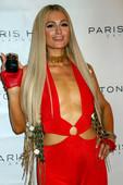 Paris Hilton sexy cleavage pics
