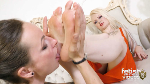 The slave bitch has to lick her feet (Katy van Strange #1) - FULL HD WMV