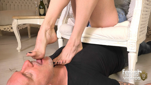 """Lick off the sweat and nibble my cornea, slave!"" (Miss Ivy) - FULL HD WMV"