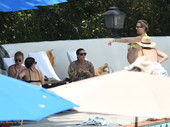 Kate Hudson pregnant in a bikini