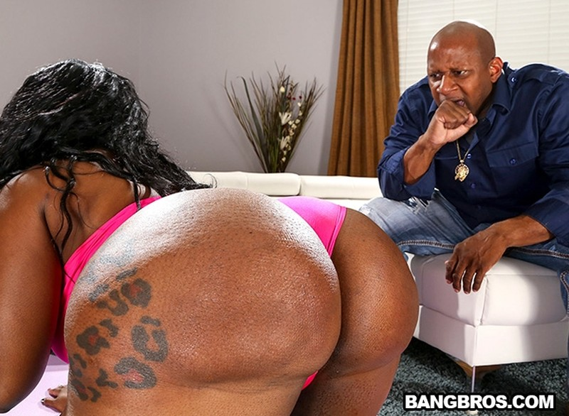 [BrownBunnies.com] Victoria Cakes - Giant Ebony Booty