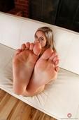 Cleo V - Footfetish