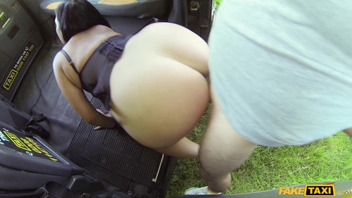 Fake Taxi: Catalia Valentine - Sexy Ass Chick Loves Cabbie's Cock (1080p)
