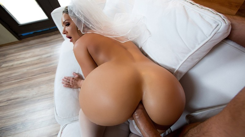 [BigWetButts.com] Cali Carter - Big Wet Bridal Butt