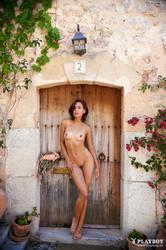 Olivia-Peltzer-September-2018-Gallery-1--l6x0djpen2.jpg