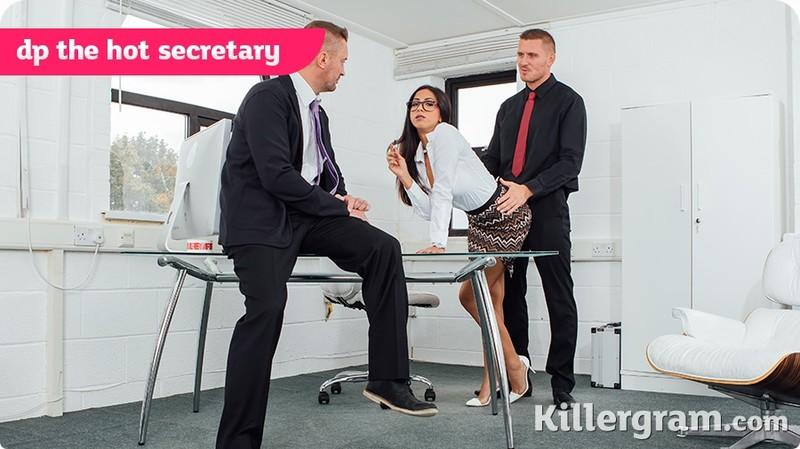 [Cum] Julia De Lucia - DP The Hot Secretary