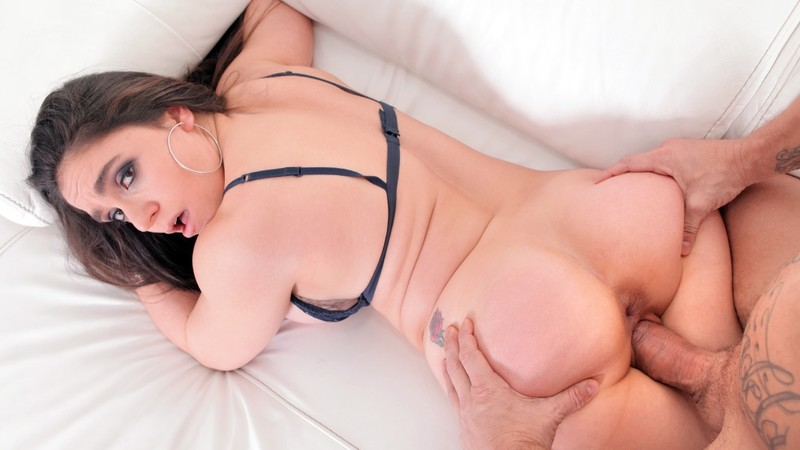 [ReadyOrNotHereICum.com] Marta La Croft - Generous and Sinuous