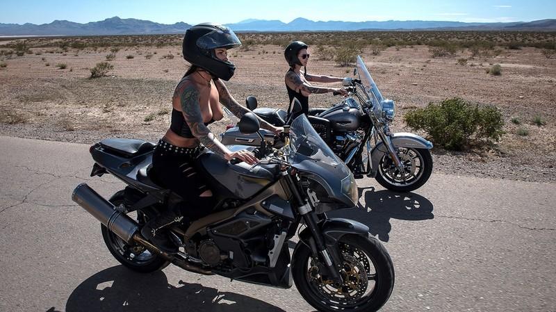 [BrazzersExxtra.com] Anna Bell Peaks & Felicity Feline - Bloodthirsty Biker Babes: Part 3