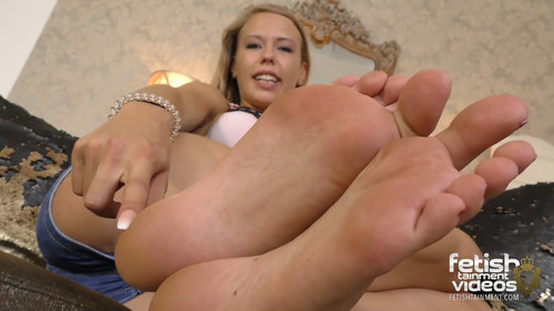 Lady Lillys feet (complete video) - FULL HD WMV