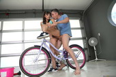Ella Knox Bicycle Boning 537x 2495x1663 b6rdllirs2.jpg