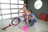 Ella Knox Bicycle Boning 537x 2495x1663 d6rdl9vk7f.jpg