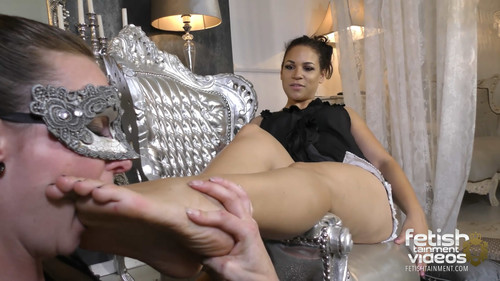 a Slavegirl has to lick the HEELS and FEET of MISS MARY J. - FULL HD WMV