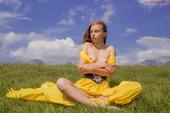 Milena Yellow Blues - x90 - 5472px (27 Aug, 2018)  n6re9x6uom.jpg
