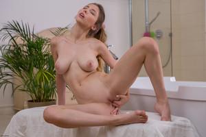Milla-Millas-Steamy-Morning-Orgasm--o7ab6844va.jpg