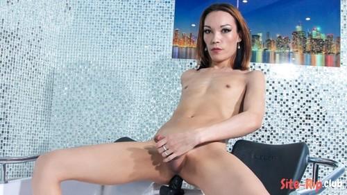 Meet Diana Deltorro - Diana Deltorro - femout.xxx