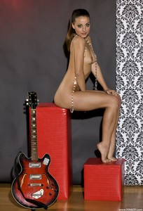 Lorena G - While My Guitar Gently Weeps