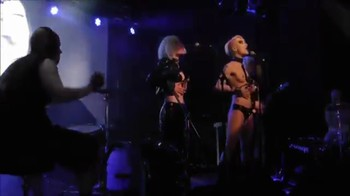 Celebrity Content - Naked On Stage - Page 9 W7xx501d3fzb