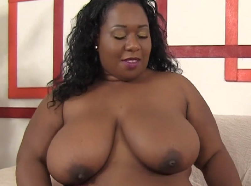 Plump Ebony Pump