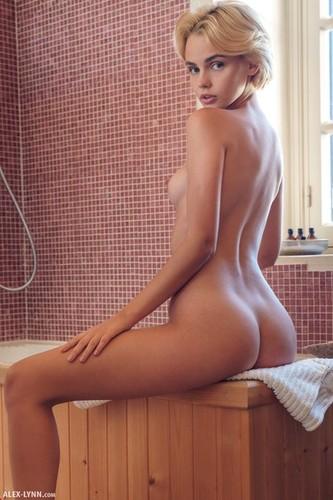 Alex-Lynn Ariel Bathing