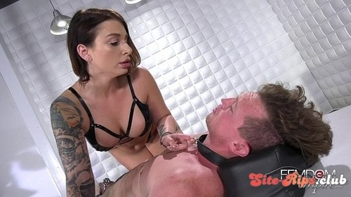 Caged Desires - Ivy Lebelle - femdomempire.com
