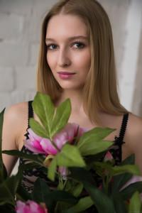 Alisa Bonet - Presenting Alisa Bonet-k6w9wbqpin.jpg