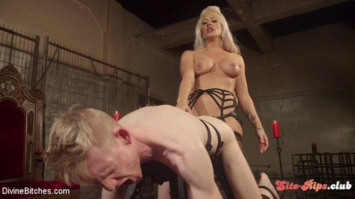 Bow Down & Worship the Newest Divine Bitch! - Holly Heart - kink.com