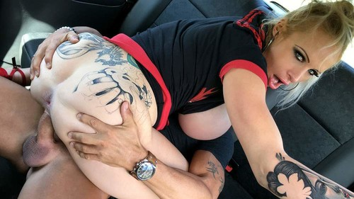 Busty dirty talking squirting MILF - Sophie Anderson (FakeTaxi.com-2018-08-22)