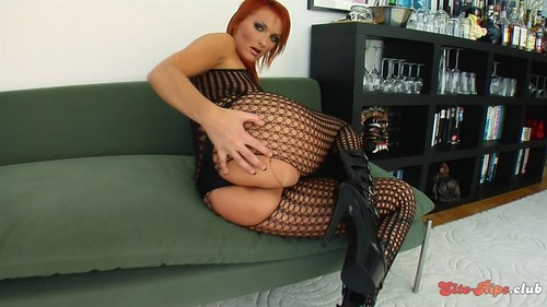 Leonie - Leonie - perfectgonzo.com
