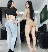 Girls in jeans3