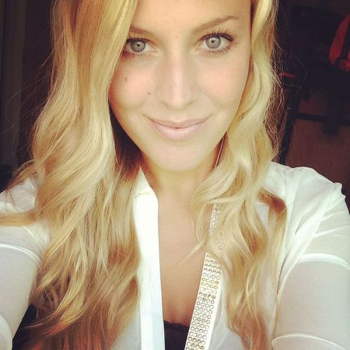 Blonde Megan